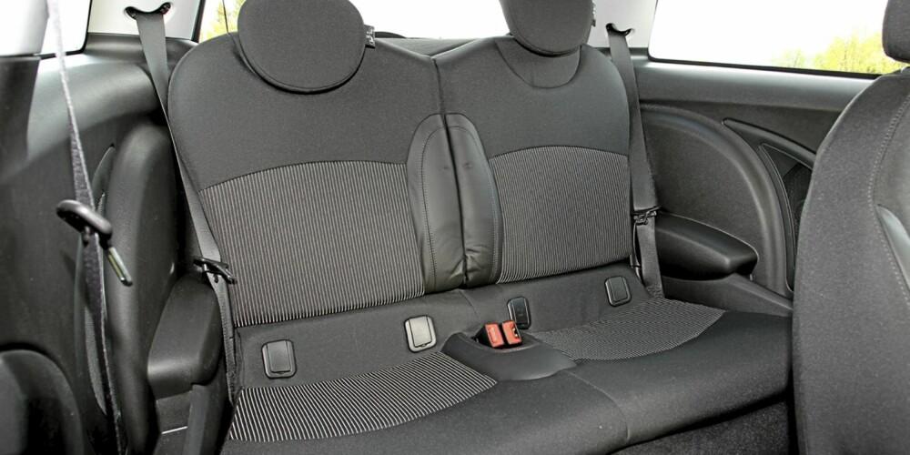 Snau bakseteplass og minimalt bagasjerom er største mangler hos Mini One D.
