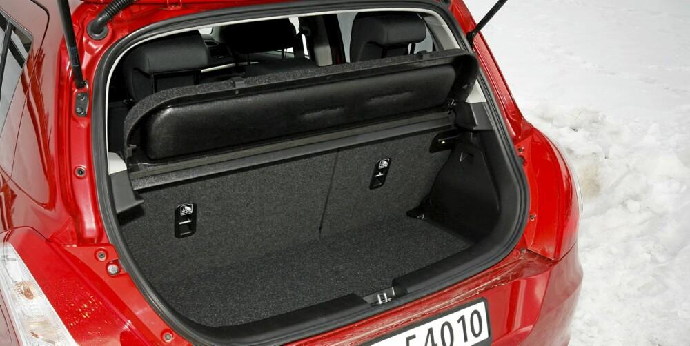 TRANGT: Bagasjerommet rommer kun 211 liter og er for trangt i forhold til mange av konkurrentene.
