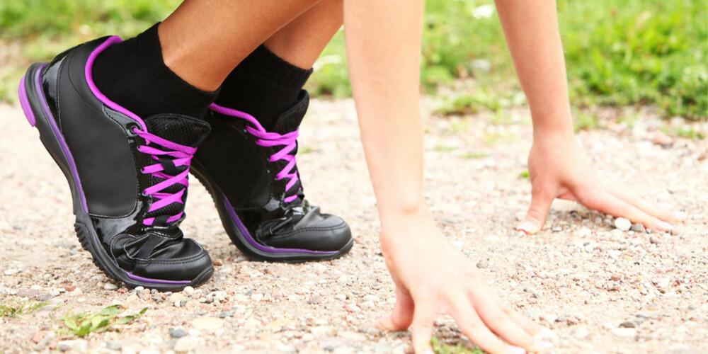 RIKTIG FOTISETT: Pass på hvordan du sparker fra og lander med foten.
