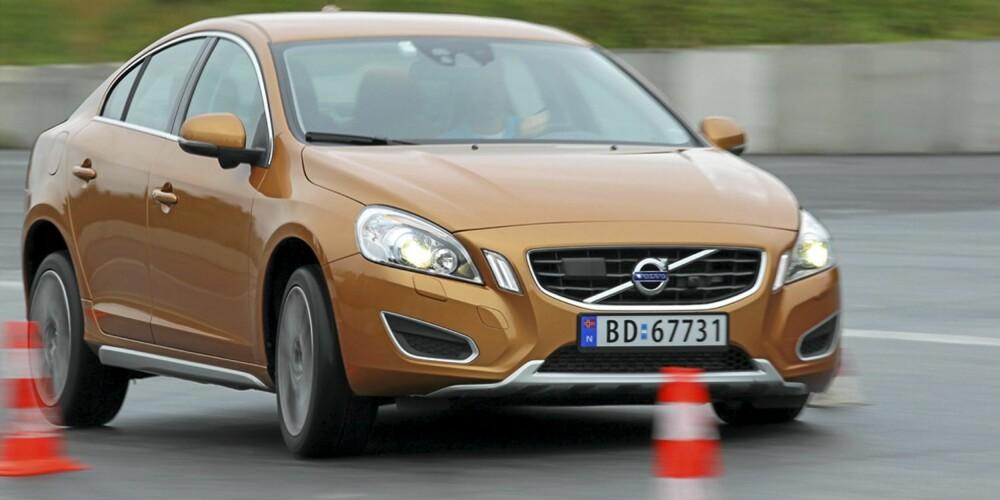 I vår test viser Volvo S60 glimrende egenskaper i unnamanøver.