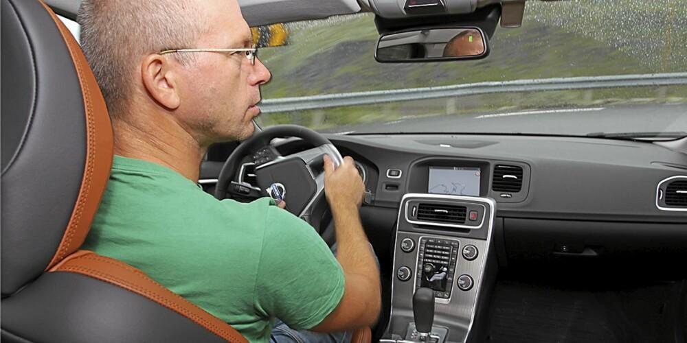 Volvo S60 mangler litt på å være blant de beste i klassen forbruksmessig. Men som kjøremaskin er den en førerfavoritt.