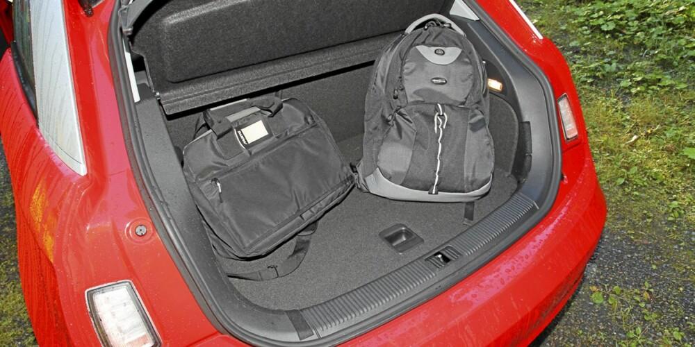 Med 270 liter er bagasjerommet i Audi A1 av akseptabel størrelse.