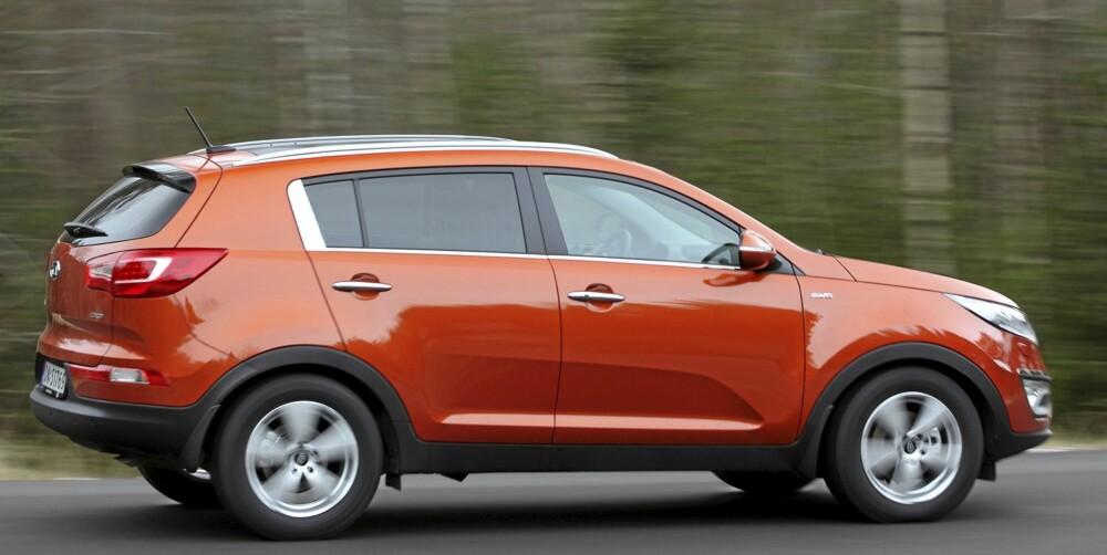 TIDSRIKTIG DESIGN: SUV-ene har forandret seg i retning vanlig personbil de siste årene, og Kia Sportage er intet unntak.