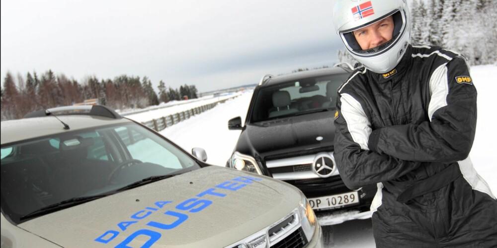 """DUELL: """"""""Stig"""""""" Petter Handeland er klar for duell: Norges billigste SUV vs en diger luksus-SUV. FOTO: Egil Nordlien, HM Foto"""