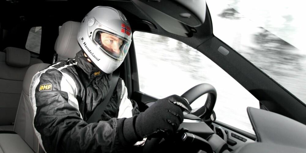 BREMS: Stig Petter gjør seg klar til brems. FOTO: Egil Nordlien, HM Foto