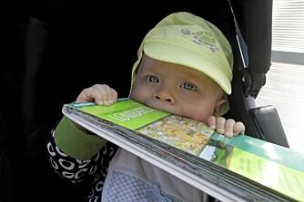 SMAKEN AV ITALIA: 8 måneder gammel på sin første ferie i Italia. Foto: FOTO: Privat