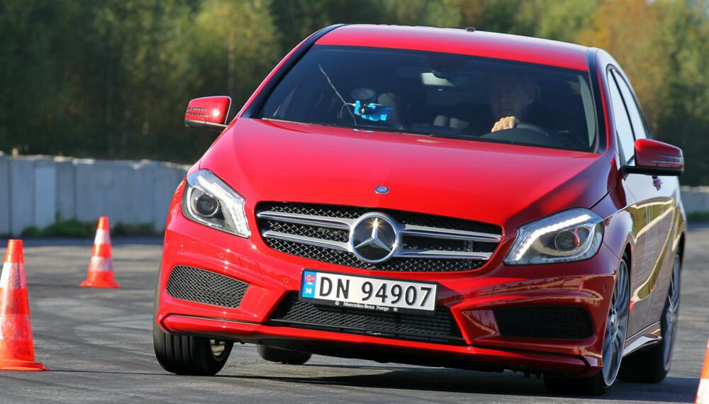 KJØRER BRA: Mercedes A180 AMG Sport byr på veldig gode kjøreegenskaper, men leverer ikke helt når det kommer til plass og komfort.