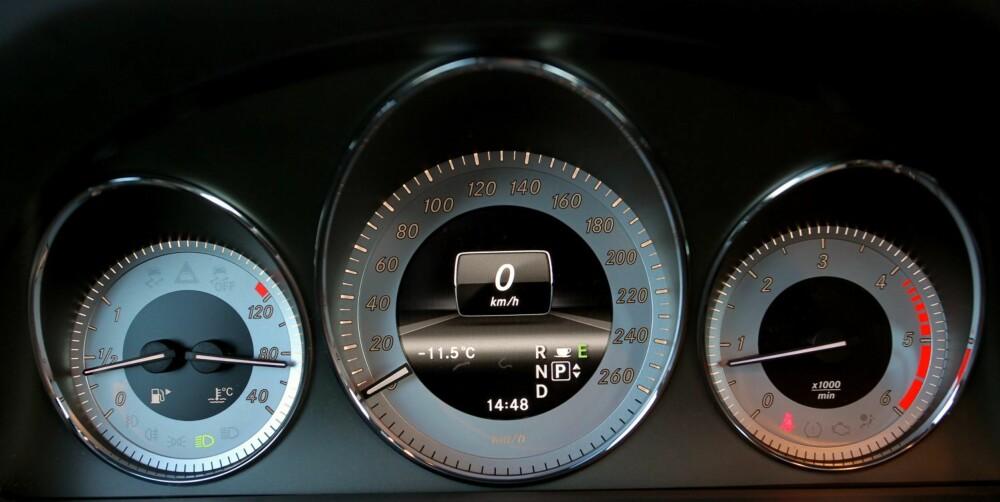 BARSKE MÅLERE: Igjen får vi SLS-følelsen, Mercedes har virkelig frisket opp interiøret i bilene sine de siste årene. GLK er ikke et unntak. FOTO: Petter Handeland