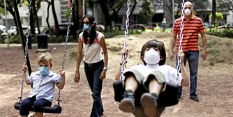 SMITTEFRYKT: I Mexico tas det ingen sjanser ved lek ute.