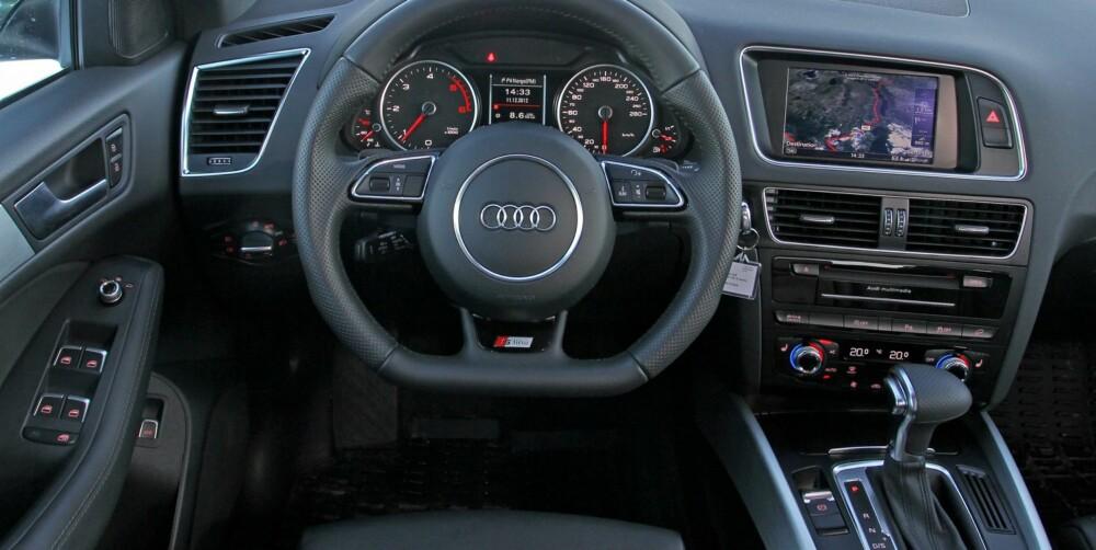 TYPISK: Audi Q5 er typisk Audi; ryddigheten selv. S-Line-setene er faste i stoppen, men også veldig gode å sitte i. FOTO: Petter Handeland