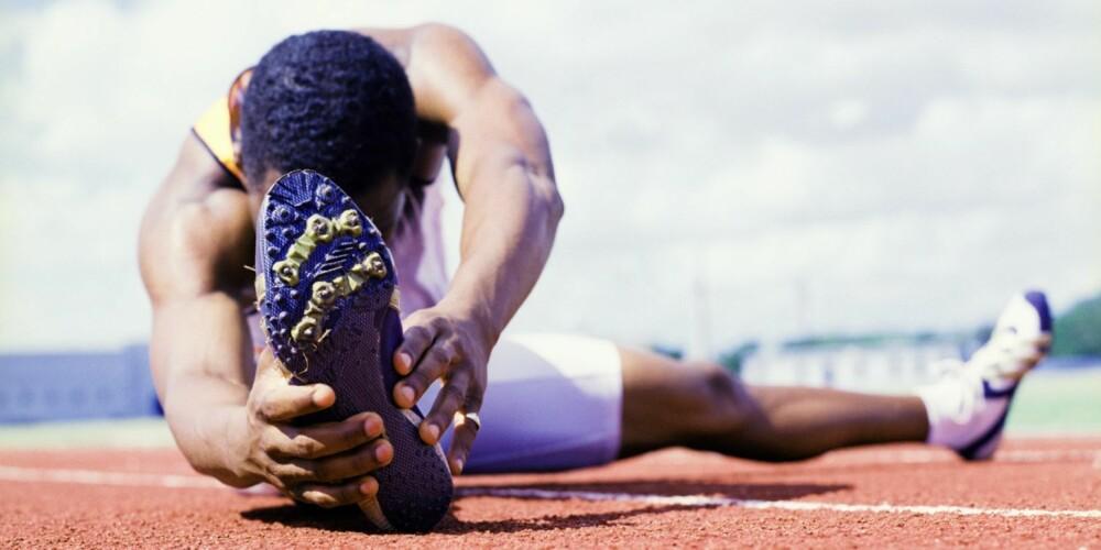 VÆSKETAP: Vei deg før trening, og vei deg etter. Er du en kilo lettere etter trening, bør du drikke 1,5 liter vann for å erstatte væsketapet.