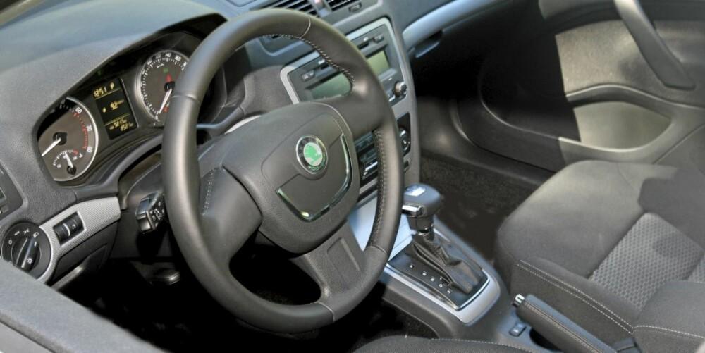 RYDDIG OG GODT: Dristig er den ikke, men førermiljøet er ergonomisk godt, og bilen gir god kvalitetsfølelse.