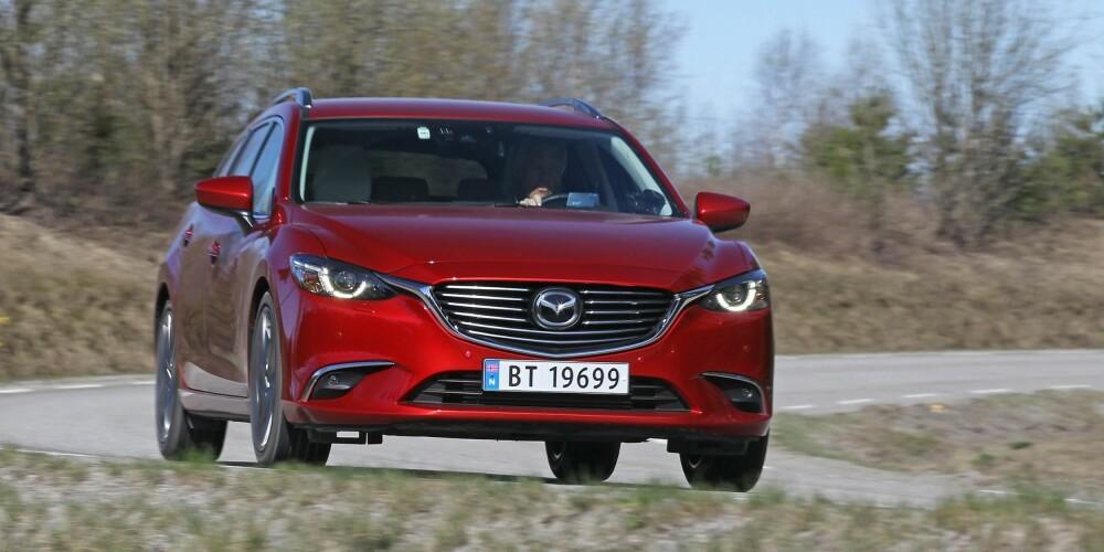 SMÅSPORTY: Mazda6 AWD gir deg en passe dose med kjøreglede, både på sommer- og vinterføre.