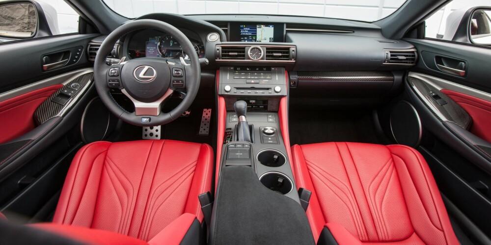 LEXUS: Om eksteriøret er komplekst og aggressivt, er interiøret helt motsatt. FOTO: Lexus