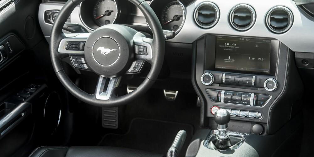 MUSTANG: Førermiljøet i Mustangen er betydelig forbedret. FOTO: Ford