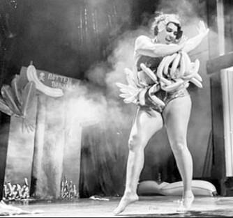HYLLES. I London ble Marea omtalt som «Den sorte Dirty Martini». Dirty Martini er en av verdens beste burleskdansere.