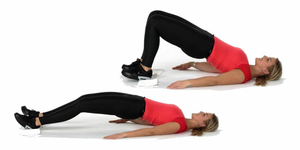 TREN RUMPA: Gli føttene dine rolig og kontrollert fremover til du har rette knær, uten å slippe ned hofta.