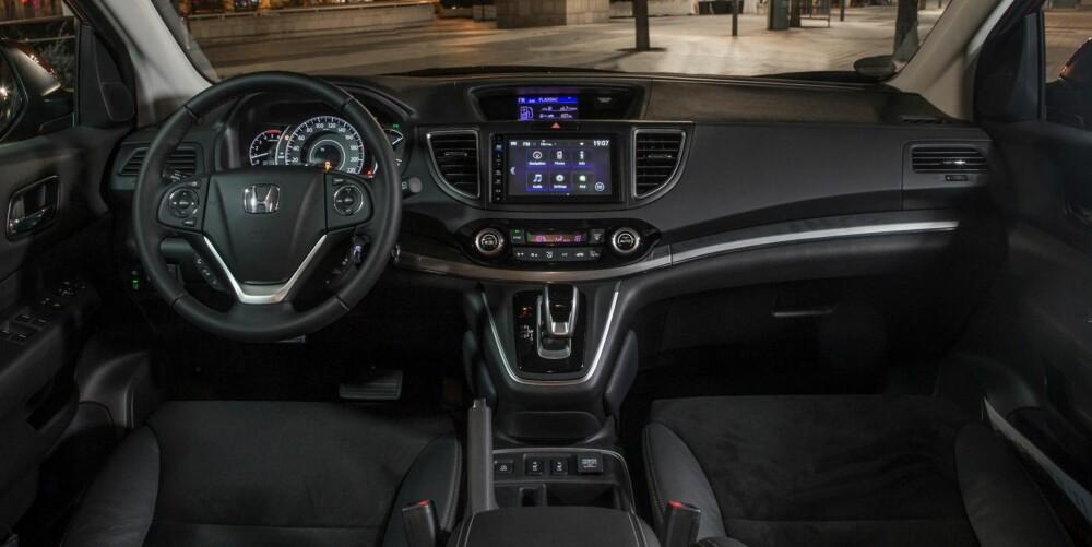 TEKNONYTT: På 2015-modellene lanseres et nytt infotainmentsystem med syvtommers berøringsskjerm og Honda Connect som standard.