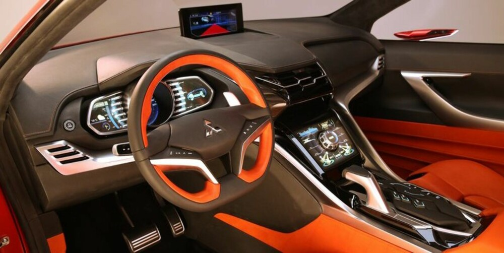 KAN ENDRES: Det har vel knapt skjedd at en produksjonsmodell er like futuristisk som en konseptbil, så vi kan nok forvente oss et litt mer nøkternt interiør i nye ASX.