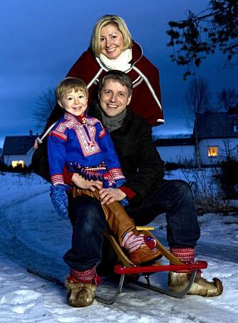 TRIO: Kjersti Bang med samboeren Roger Skarvik og sønnen deres, Ailo. Bildet ble tatt i 2011.