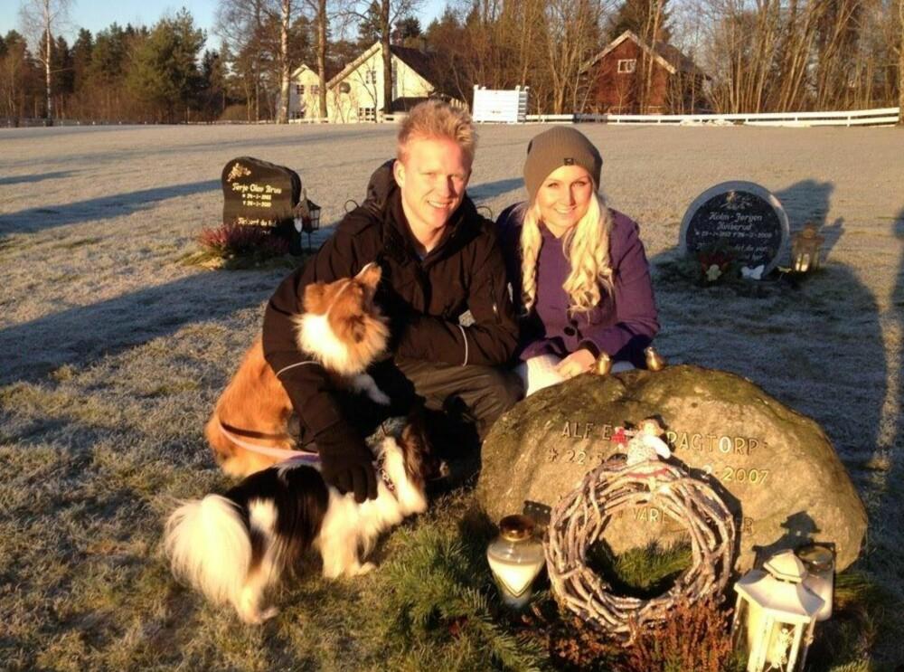 BESØKER HAM OFTE: Marthe Kragtorp og broren besøker ofte graven til faren. Her minnes de gode stunder.