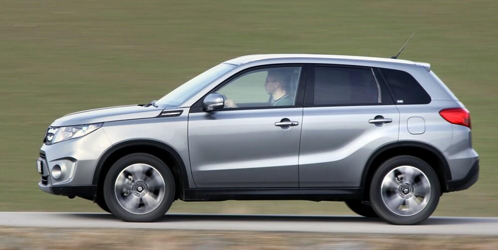 KLASSISK: Suzuki Vitara har litt mer klassisk SUV-form enn flere av dens crossover-orienterte konkurrenter.