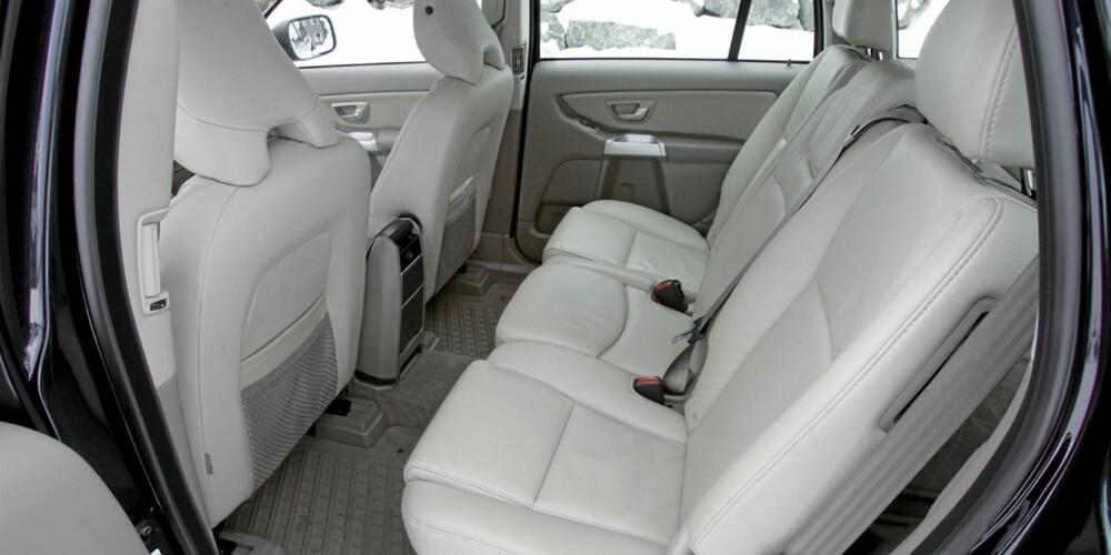 Plassforholdene er gode i Volvo XC90
