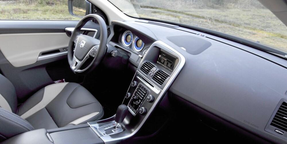 STAUT: XC60 er nøktern men gir samtidig den luksusfølelsen man forventer av en bil i denne prisklassen.