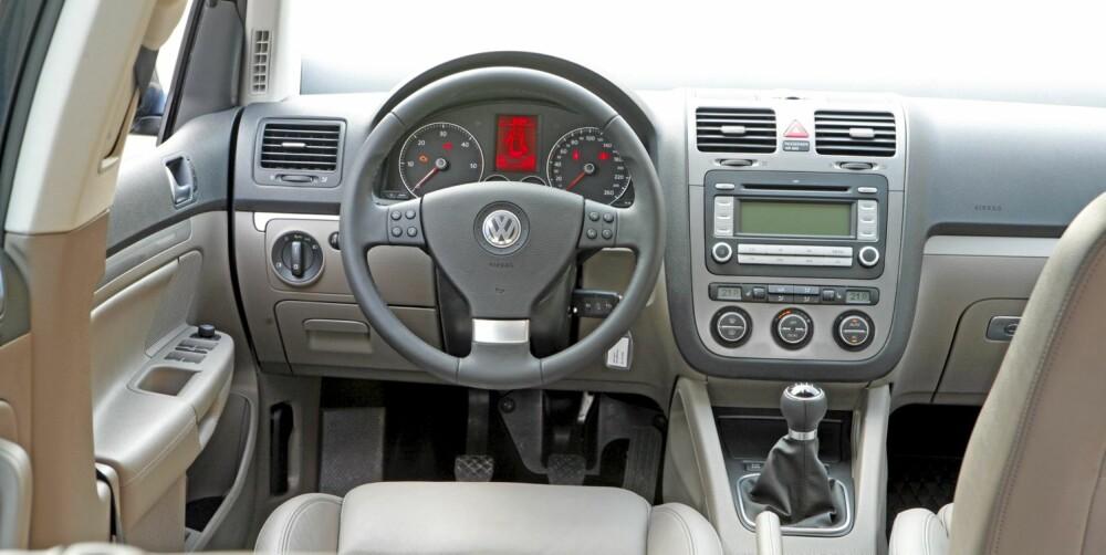FUNKSJONELT: Interiøret har god opplevd kvalitet og alt er lett å betjene.