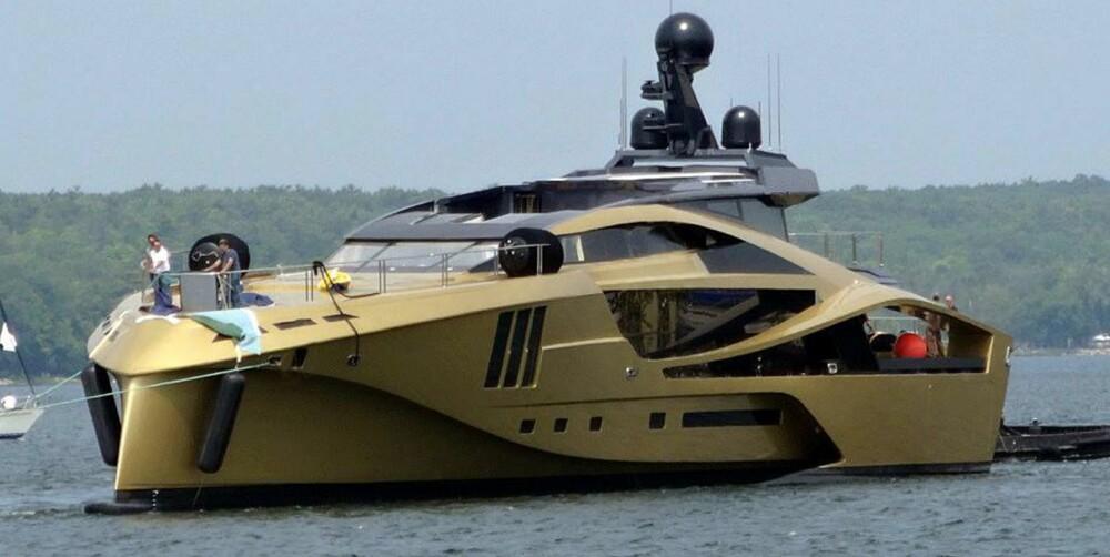 32 KNOP: Palmer Johnson sjøsatte nylig denne 48M SuperSport. Skroget og overbygget på den 46 meter lang superyachten er i karbonkompositt, og båten skal greie 32 knop. FOTO: Palmer Johnson