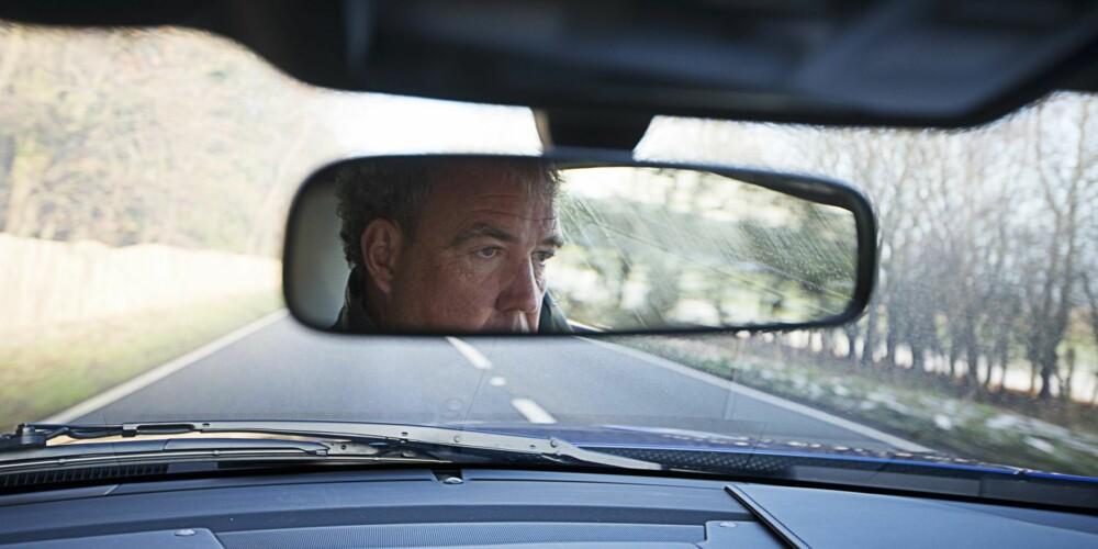 ØYEBLIKKET: Stålblikk på veien, så litt sladding. FOTO: Justin Leighton