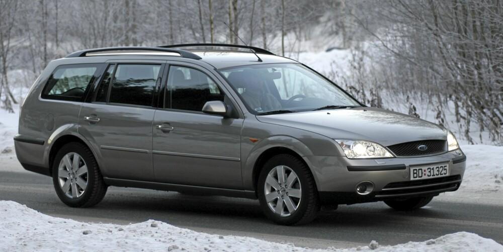 VELKJØRENDE: Ford Mondeo er praktisk, men også av de mest velkjørende familiebilene på bruktmarkedet.