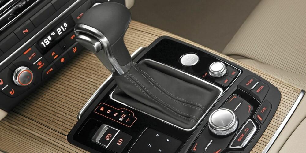 JÅLERI: I forhold til konkurrenter som BMW 5-serie og Mercedes E-klasse, virker Audi A6 hakket mer jålete og pyntet.