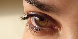 FÅ I DEG DETTE: Er øynene dine tørre og såre kan det tyde på at du trenger å få i deg mer vitamin A - blant annet.