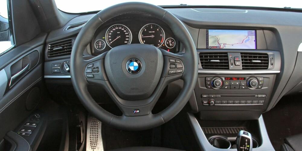 MÅ HA DET: Vår testbil var lastet med utstyr for 200 000 kroner. Fullt så mye trenger du ikke å bruke for å få det trivelig i en BMW X3. Men 100 000 går fort unna i ekstrautstyrslisten.