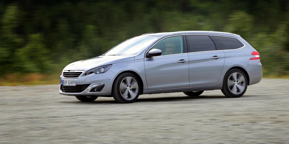 FIN BALANSE: Peugeot 308 SW kombinerer sportslig kjørefølelse med god komfort.