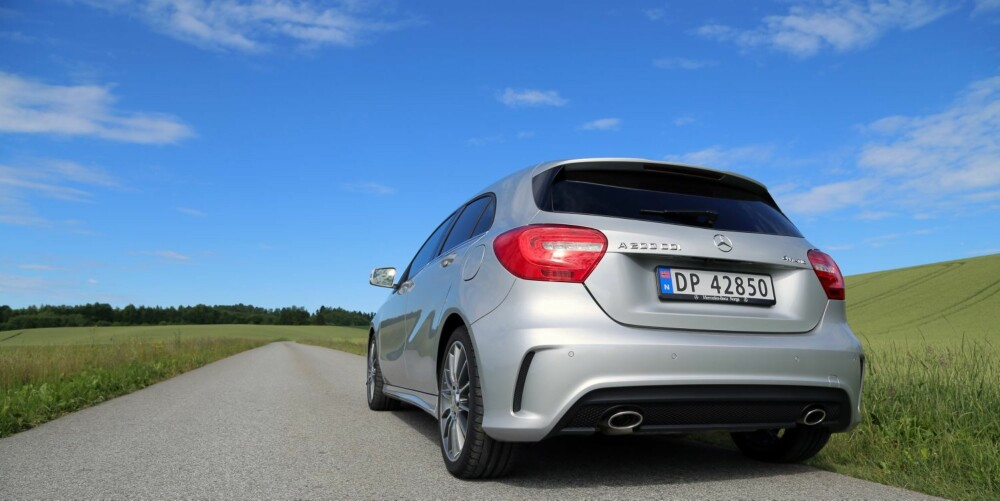 VENTER PÅ VINTER: En sommerlig asfaltvei er ingen utfordring for A 200 CDI 4Matic.