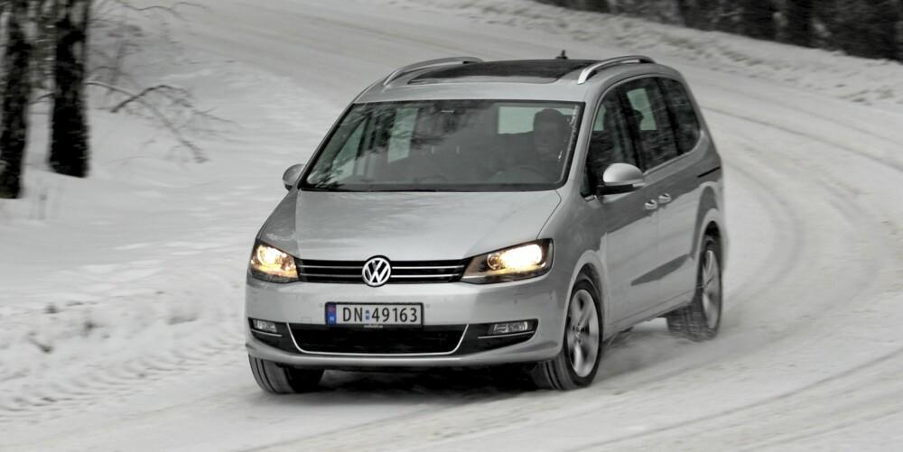 UTSEENDET: Snuten har Volkswagens familiefjes. En svak bue på taket og lett stigende vinduslinje gir en slags funkiseleganse.