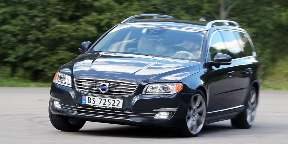 SIKKER: Trygge veiegenskaper preger kjøreopplevelsen i Volvo V70