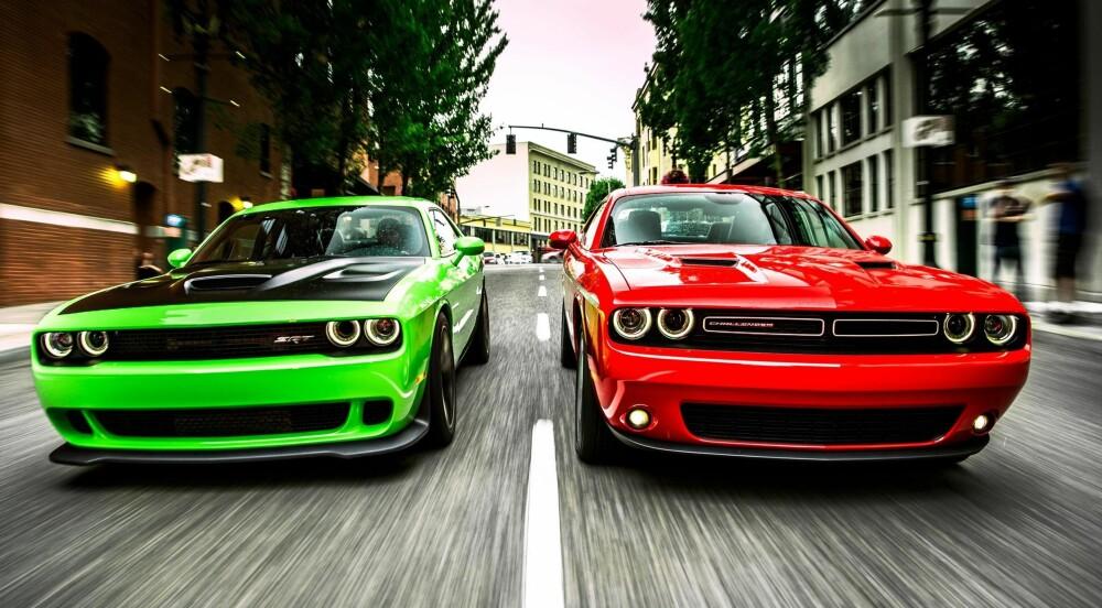 Dodge Challenger og Dodge Challenger SRT (t.v.) FOTO: Produsent