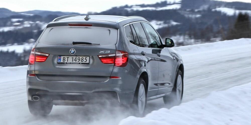 4x4: Om du sørger for å tilpasse farta før svingen, sørger BMWs xDrive-system for å plante kreftene effektivt i bakken når du kan begynne å gå på gassen igjen.