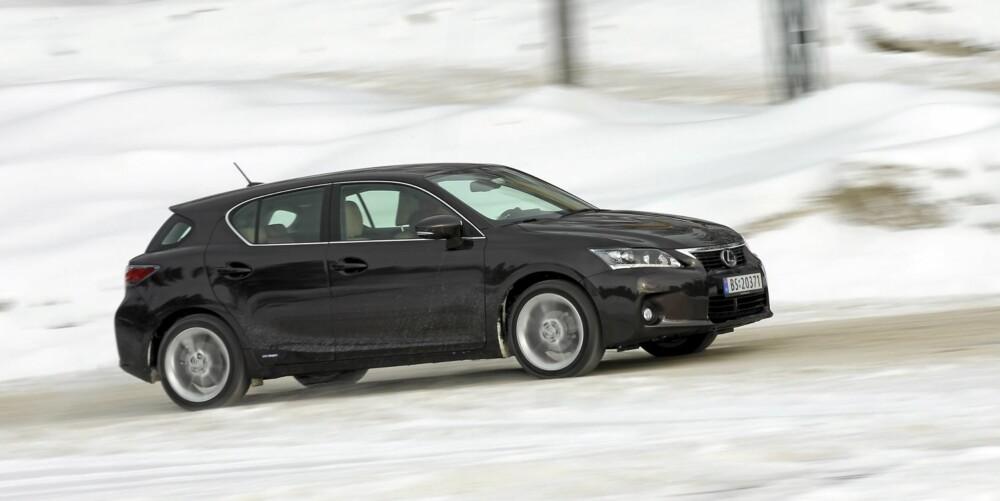 SKARPE LINJER: Moderne bildesign preger Lexus CT200h