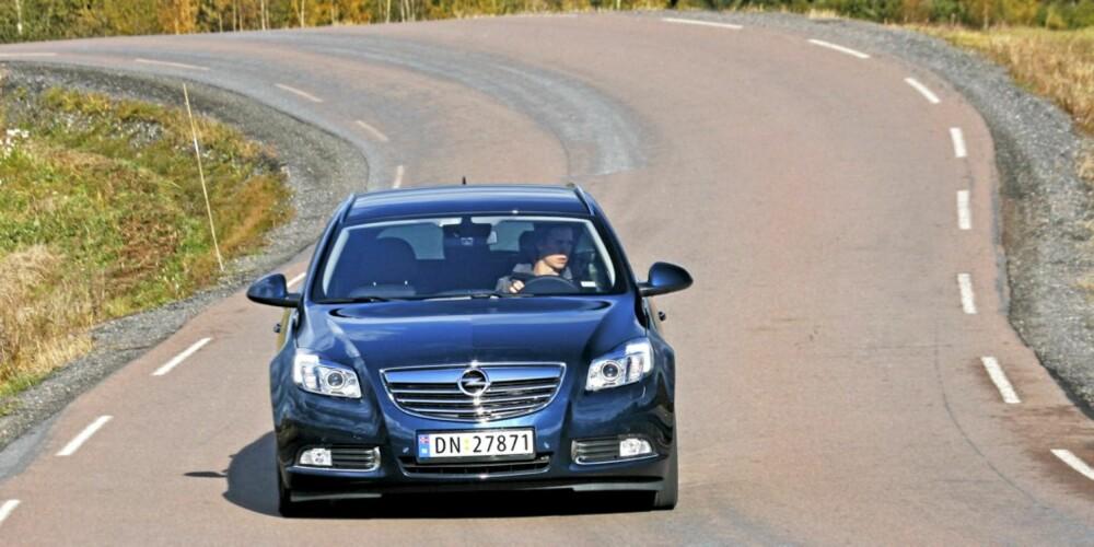KJØRER GODT: På veien oppleves Insignia som en meget vellykket og lettbeint bil.