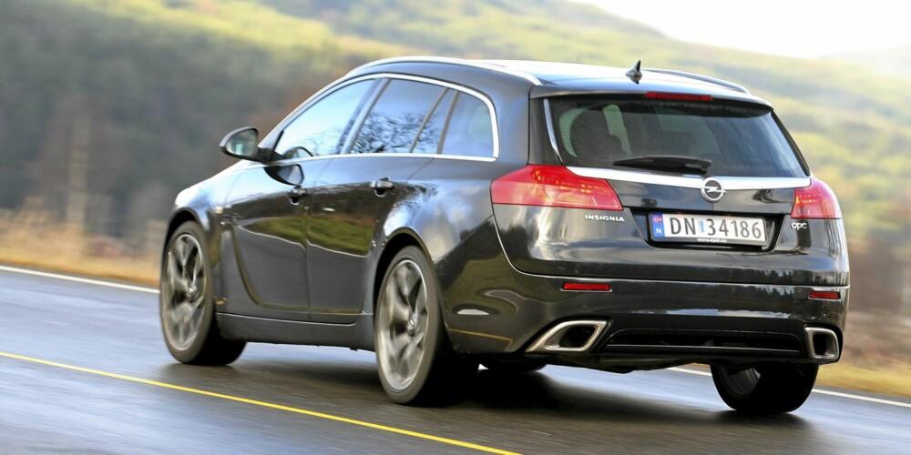 SPORTSLIG: Det vi liker best med Insignia OPC er de potente kjøreegenskapene.