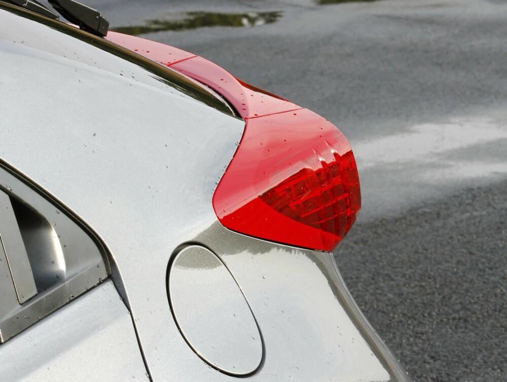 VORTER: Fra enkelte vinkler virker baklysene pussige der de stikker langt ut fra karosseriet. FOTO: Petter Handeland