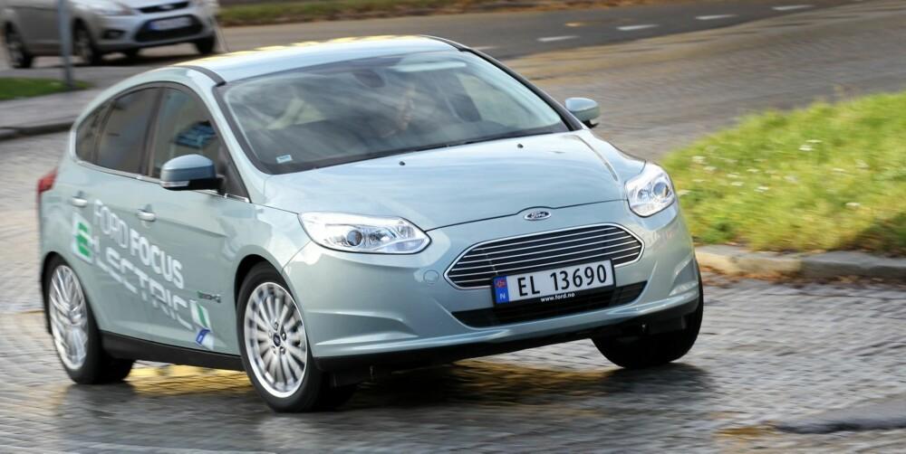 KJØREMESTER: Focus Electric er kjøremesteren i sin prisklasse til dags dato. Den ekstra vekten er godt kamuflert, så Electric kjører nær sagt som en vanlig Focus.