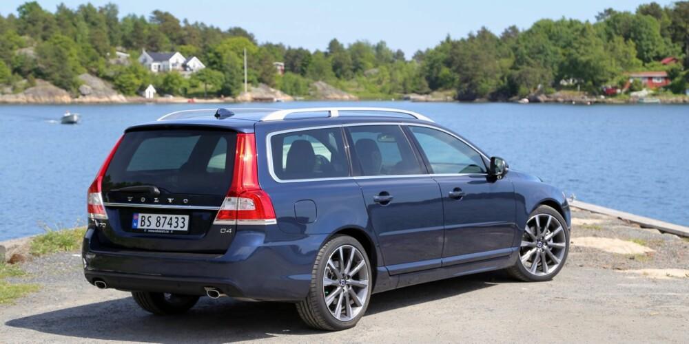 TOPPSCORE: t testforbruk på 0,54 l/mil er det beste vi har notert oss for en stor stasjonsvogn med automatgir. De beste konkurrentene ligger i området rundt 0,6 l/mil og til sammenligning brukte den gamle og mye langsommere D3-versjonen vi kjørte i 2013 0,66 l/mil. Ingen tvil om at Volvo har lyktes med sine målsettinger.