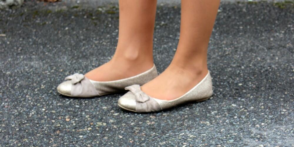 BALLERINA: Flate sko uten støtte kan føre til smerter i føttene som kan forplante seg oppover i kroppen.