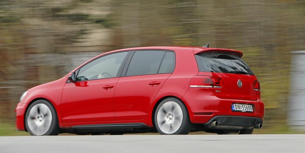 RASK: GTI er med sine 210 hk og 280 Nm mer enn rask nok. 0-100 skal ifølge produsenten gjøres unna på 6,9 sekunder.
