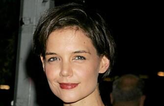 TUNGE ØYELOKK: Katie Holmes har litt triste nedover-øyne med tunge øyelokk.